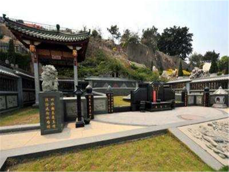 重庆龙望山公墓单人/双人墓地-是一座绿色生态花园式公墓 第2张