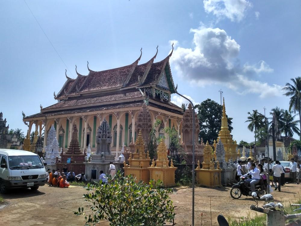 柬埔寨版清明节——亡人节 第10张