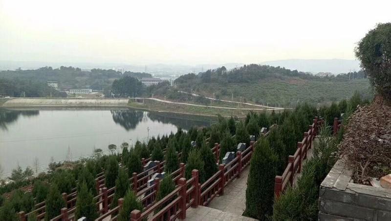 重庆龙居山公墓陵园 销售点 第3张