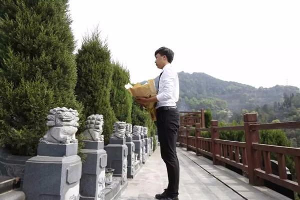 重庆龙居山陵园公墓 现代化安葬礼仪服务 第2张