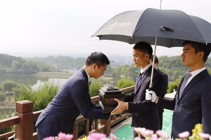 重庆龙居山陵园公墓 现代化安葬礼仪服务 第4张